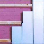 Монтируем пластиковые стеновые панели